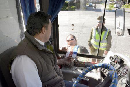 Los conductores de la locomoción colectiva recibieron volantes informativos.